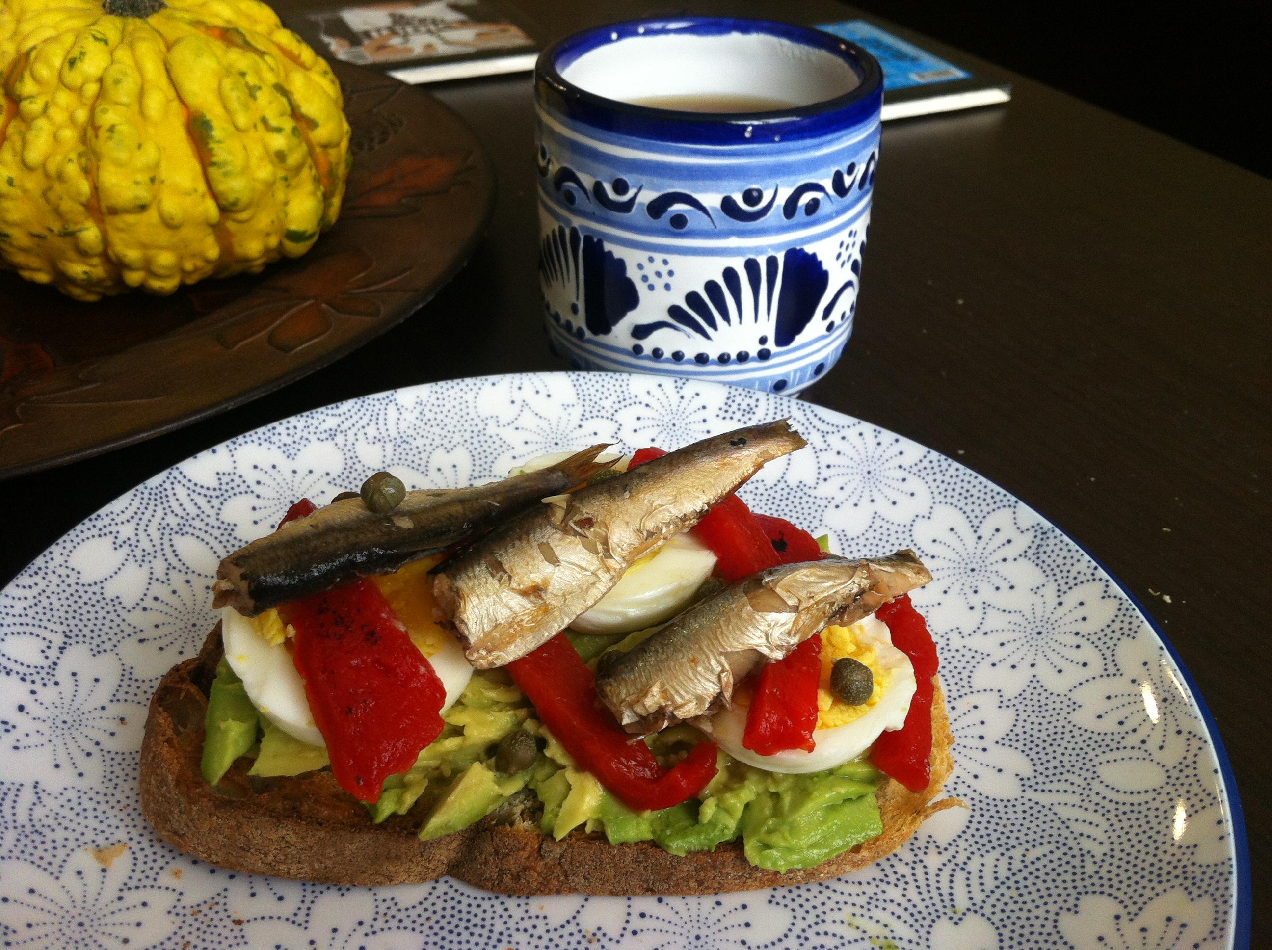 Img Good Eats Avocado And Sardines